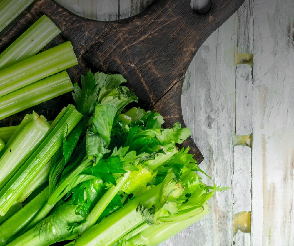 bg-ncm-celery-on-cutting-board-2